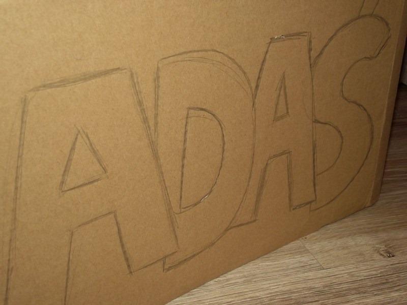 imię dla dziecka z kartonu